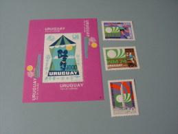 == Uruguay , 1974 Block 29 Fussball Satz 1302 - 1304  €  60,00 - Uruguay