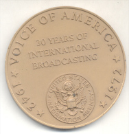 VOICE OF AMERICA - 30 YEARS OF INTERNATIONAL BROADCASTING - 1942-1972 RARE GRAND FORMAT TBE - Professionals/Firms