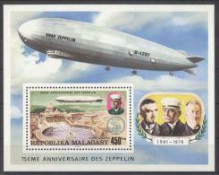 Madagascar - 1976 Zeppelin Block MNH__(TH-513) - Madagaskar (1960-...)