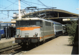 CF 147 En Gare De Nimes La BB9254 - Nîmes