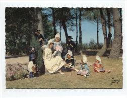52846 -  Foklore De Bretagne (29 ) Costumes De Cérémonie De Benodet   Fouesnant  Et Des Environs - Costumes
