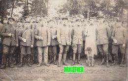 Soldatengruppe Mit Jagdhund, Um 1916 - Characters