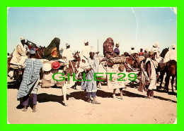NORD CAMEROUN - CÉLÈBRES BOEUFS PORTEURS ANCIENNES CIVILISATIONS SAO - - Cameroun