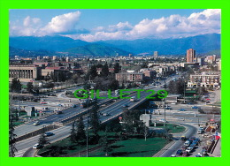SANTIAGO, CHILI - HERMOSA PANORAMICA DEL IMPORTANTE NUDO VIAL DE APOQUINDO CON AMÉRICO ÉCRITE - - Chili