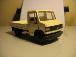 NZG MERCEDES 507D Pickup - Nzg