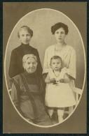 Four Generation Of Women - Atelier E. Makovicka, Velika Gorica ----- Postcard Not Traveled - Portraits