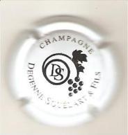 CAPSULE MUSELET CHAMPAGNE DEGENNE SQUELART (NOIR SUR BLANC) - Champagne