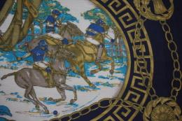 FOULARD CHALE CHEVAUX  CAVALIERS De POLO / Collection 113 X 115 Cms - Scarves