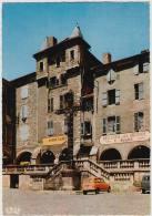 Villefranche Du Rouergue:  RENAULT 4 - La Place Notre-Dame - Auto/Car/Voiture- Aveyron, France - Passenger Cars