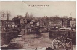 14 Caen L'entrée Du Port (légèrement Marquée En Haut Au Centre) - Caen