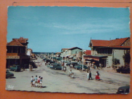 V09-33-gironde-lacanau-ocean-les Allees De La Plage Au Fond L'ocean-- Animee-voitures-automobile--1961 - Sonstige Gemeinden