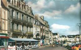 44 - LE CROISIC - Place Boston Et Hôtel Masson (Ed. Gaby, 16) - Le Croisic