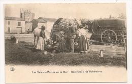 SAINTES MARIE DE LA MER / UNE FAMILLE DE BOHEMIENS / ROULOTTE CP 7551 - Saintes Maries De La Mer