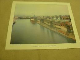 Année 1954 Grande Photographie En Couleurs (27cm X 21cm) DUNKERQUE Bassins à Flot,dock,Quai Et Ferry-Boat - Places