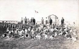 Camp De Vacances Des Apprentis, Lehrlings-Ferienlager In Frankreich, Fotokarte Vor 1950 - Ecoles