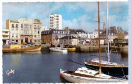 Lorient (Morbihan)  Le Port.           (CPSM, Bords Dentelés, Format 9 X 14) - Lorient
