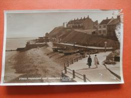 27163 PC: NORFOLK: Sheringham. East Promenade And Beach. (Postmark 1958). - England