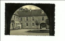 Resteigne La Cour Intérieure Du Vieux Château - Tellin