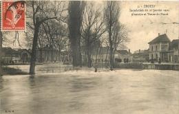 10 TROYES INONDATION 1910 ABATTOIRS ET VANNE DU POUCE - Troyes