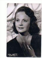 Michèle Bernard Photographie NB Avec Autographe Au Dos - Artistes