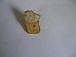 La Poste Chalette Sur Loing - Mail Services