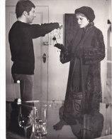 "¤¤  -  Photo D'Exploitation Du Film "" John & Mary "" - Les Acteurs "" Dustin HOFFMAN Et Mia FARROW ""  -  ¤¤ - Célébrités"