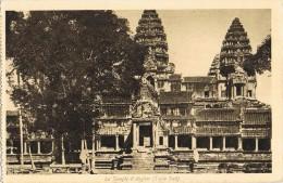 4588. Postal CAMBOYA, Cambodge. Templo De ANGKOR - Camboya