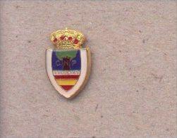 13-cnp24. Pin Escudo Escoltas . CNP - Policia