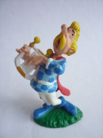 FIGURINE ASTERIX BULLY 1992 ASSURANCETOURIX TBE - Asterix & Obelix