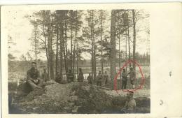 Wk1914 -(1 Carte Photo )  Deutsche Soldaten - German Soldiers -Schanzarbeiter - Graben - Trech - Inf.Regt.49 - War 1914-18