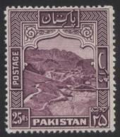 PAKISTAN 1968 MNH S.G 210 KHYBER PASS, MOUNTAIN, MOUNTAINS - Pakistán