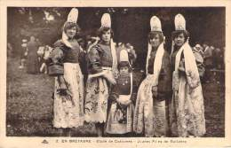 29 - Guilvinec - Etude De Costumes, Jeunes Filles De Guilvinec - Guilvinec