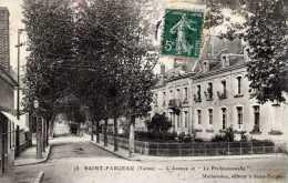 """89-SAINT-FARGEAU-L´Avenue   Et """"La Professionnelle"""" - Saint Fargeau"""