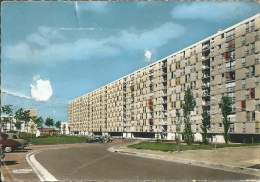 MONTLUCON - Cités De Fontbouillant  (  état Moyen Plis ,voir Verso ) - Montlucon