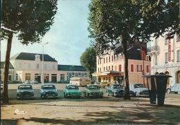 MONTLUCON -   Place De La Gare ( état Médiocre  Voir Verso ) - Montlucon