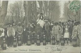 """37Da    Aix En Provence Rare Carte Photo Carnaval 1907 """"Aix Refuse Les Saouls étrangers"""" (xenophobie?) Vins Mousseux - Aix En Provence"""