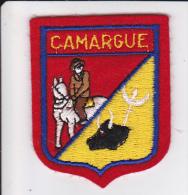 ECUSSON TISSU BRODE CAMARGUE GARDIAN CHEVAL  BLASON ARMES HERADIQUE - Blazoenen (textiel)