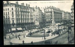 69 LYON 02 / Place De La République Et Monument Carnot / - Lyon