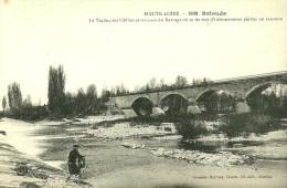 Brioude.un Pècheur De Saumons à L'epervier Devant Le Viaduc Sur L'Allier, Un Coin Du Barrage. - Brioude
