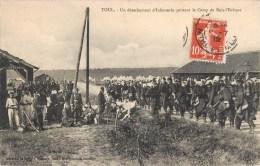 TOUL UN DETACHEMENT D'INFANTERIE QUITTANT LE CAMP DE BOIS-L'EVEQUE GUERRE MILITAIRE - Toul