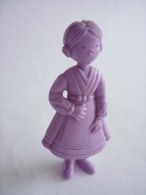 FIGURINE PUBLICITAIRE ESSO Belge Monochrome Violet -Tintin - NOUCHKA - Tintin