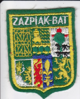 ECUSSON TISSU BRODE ZAZPIAK BAT 7 PROVINCES BASQUES  BLASON HERALDIQUE - Ecussons Tissu