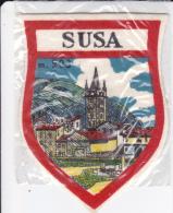 ECUSSON TISSU SUSA ITALIE PIEMONT ITALIE - Blazoenen (textiel)