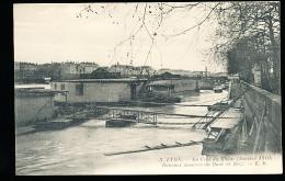 69 LYON 01 / Crue Du Rhône, Bateaux Amarrés Au Quai De Retz / - Lyon