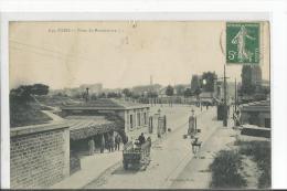 N 649  PORTE DE MONTMARTRE  ATTELAGE PERSONNAGES  Defaut Pli - Distrito: 18