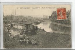 BILLANCOURT  LES MOULINEAUX  LE PONT BILLANCOURT  BATEAU PENICHE HORS DE L EAU - Boulogne Billancourt