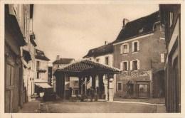 LOT DE 11 CPA : LACAPELLE-MARIVAL HOTEL DE PARIS PLACE ROQUE PLACE DE LA HALLE FORT COUVENT EGLISE PLACE DU FORT 46 - Lacapelle Marival