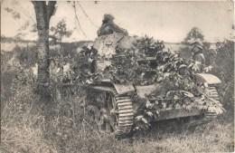 AUTO-MITRAILLEUSE CHENILLE TANK ARTILLERIE GUERRE 1939 - Ausrüstung