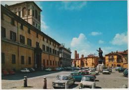 Pavia: INNOCENTI MINI & INNOCENTI MORRIS, LANCIA FULVIA COUPÉ, FIAT 500 - Collegio Ghisleri/ Piazza Del Papa - Italia - Voitures De Tourisme