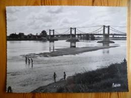45 : Meung-sur-Loire - Le Pont Sur La Loire - Animée : Petite Animation : Enfants Se Baignant - Plan Inhabituel -(n°619) - France
